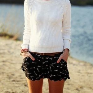 Anthropologie Eloise scalloped arrow shorts